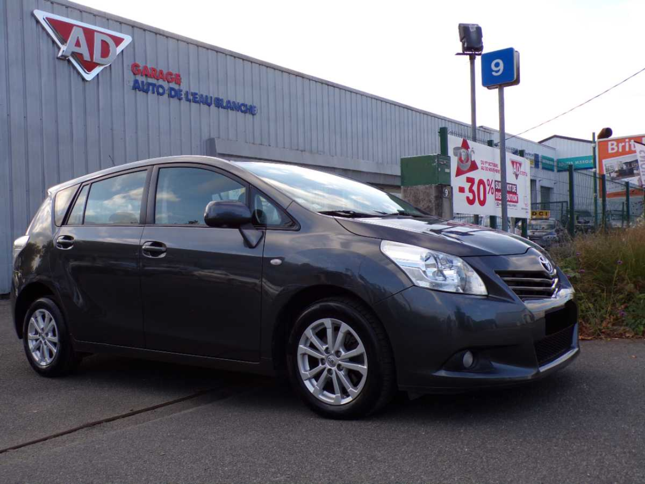 Toyota Verso 126 D-4D Skyview connect 7Places occasion